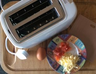 Dunrobin Valley Cheese and Tomato Omelette